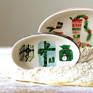 Small Oval Holiday Trinket Dish